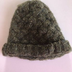 Urban Outfitters green cable knit beanie hat